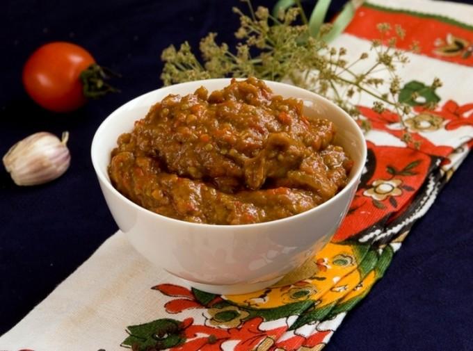 Кабачково-баклажанная икра «Овощное танго»