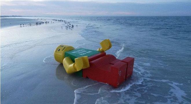 Вы сначала не поверите своим глазам: посмотрите, что находят люди на пляже