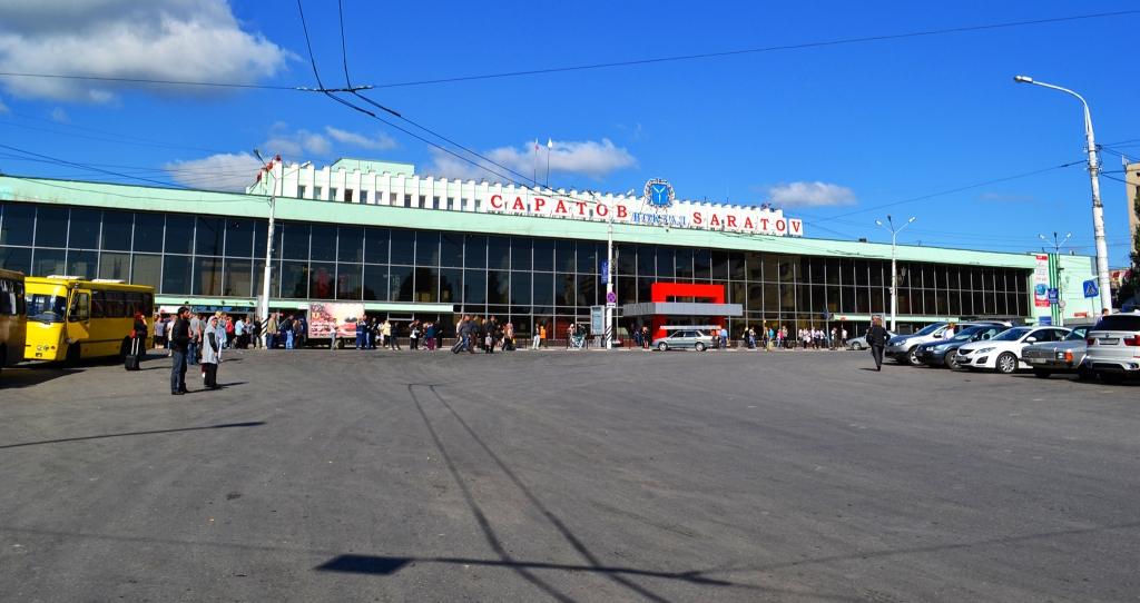 Железнодорожный вокзал могут…
