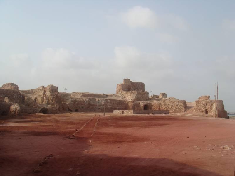 Португальская крепость Непор…