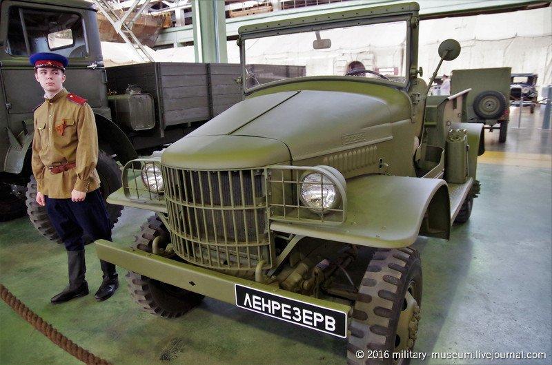 Выставка автомобилей времён Великой Отечественной войны в Санкт-Петербурге
