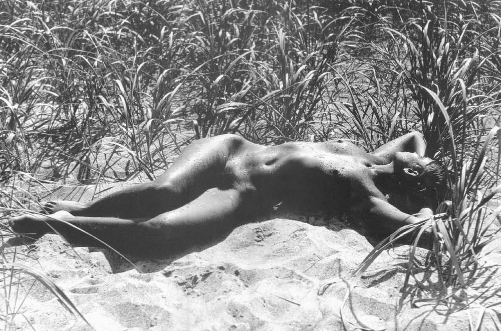 «Цветы среди цветов» Римантаса Дихавичюса – первые фотографии ню в СССР 18