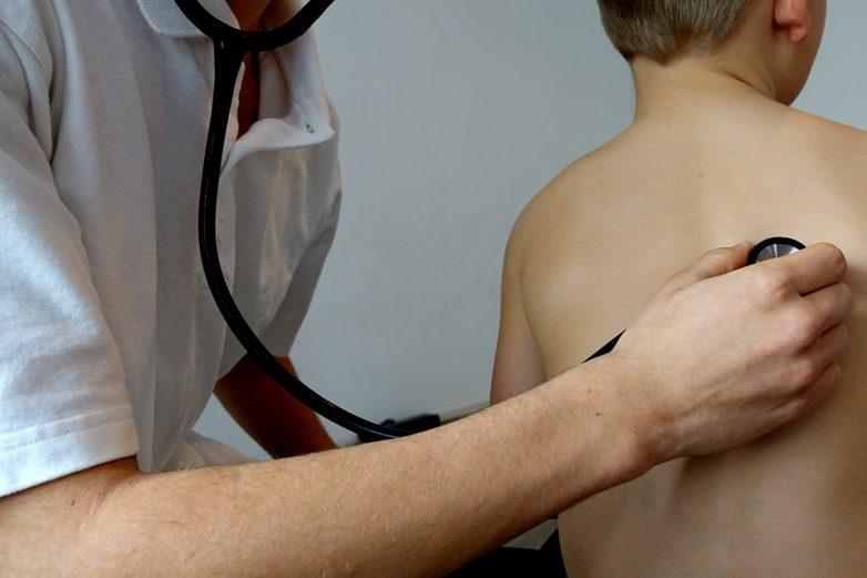 Популярные мифы про детский кашель