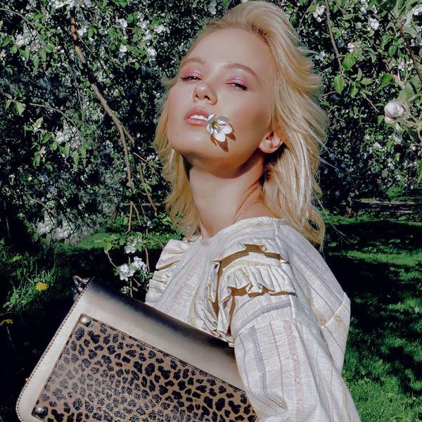 Модный блогер Анна Белис назвала 10 самых стильных вещей: спешим купить!