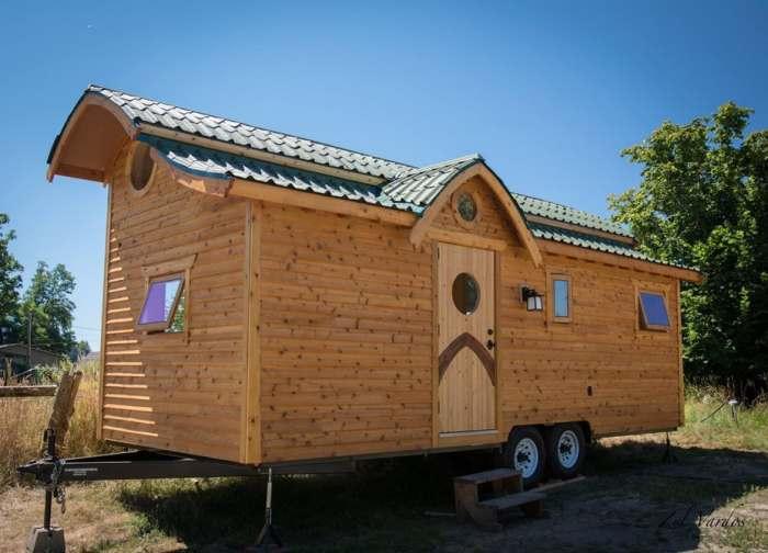 Практичный домик на колесах, который можно брать с собой в путешествия