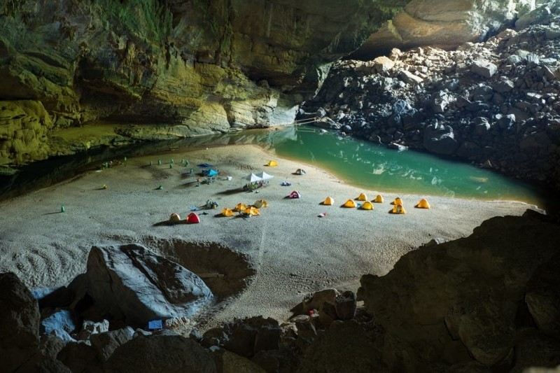 Вьетнамская пещера Шондонг - еще одно интересное место для кемпинга кемпинг, мир, опасность, отдых, палатка, путешествие, турист, экстрим
