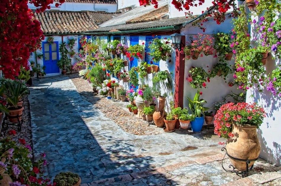 Как в Испании празднуют приход весны