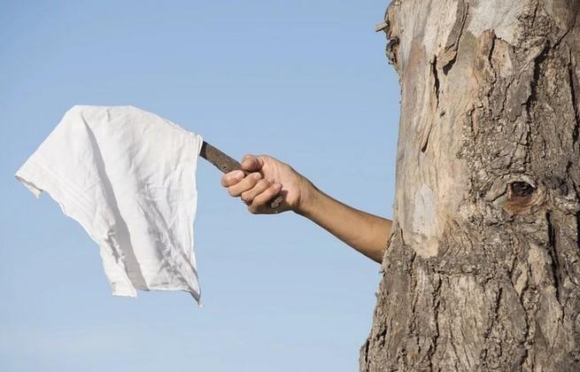 США выбросили белый флаг: де…