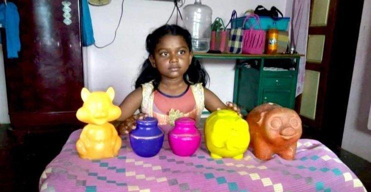 8-летняя девочка отдала деньги, которые копила полжизни, и получила неожиданную награду