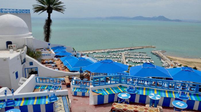 Особенно хорошо на Тунисе осенью.