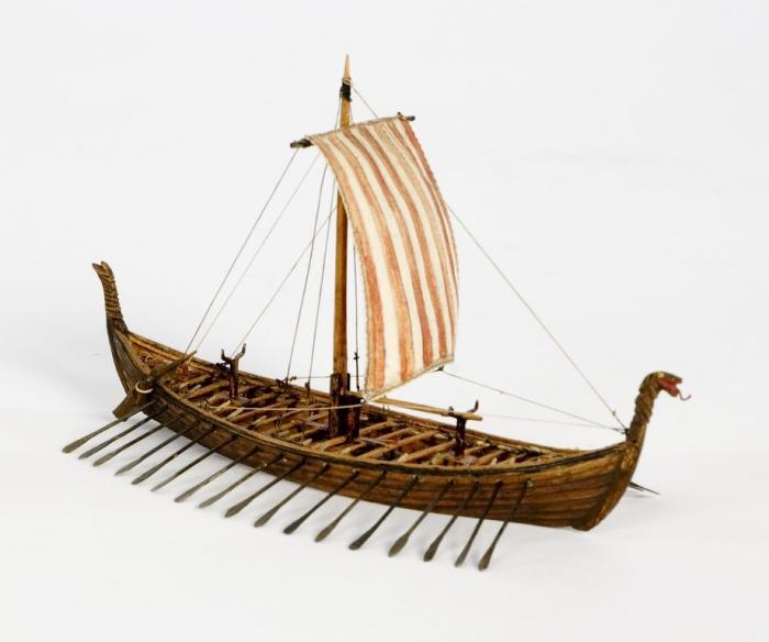 Модель Осебергского корабля викингов.   Фото: upload.wikimedia.org.