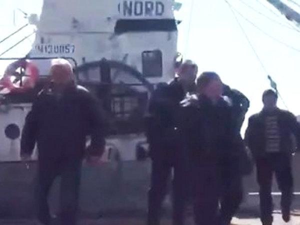 Киев отпустил рыбаков россий…