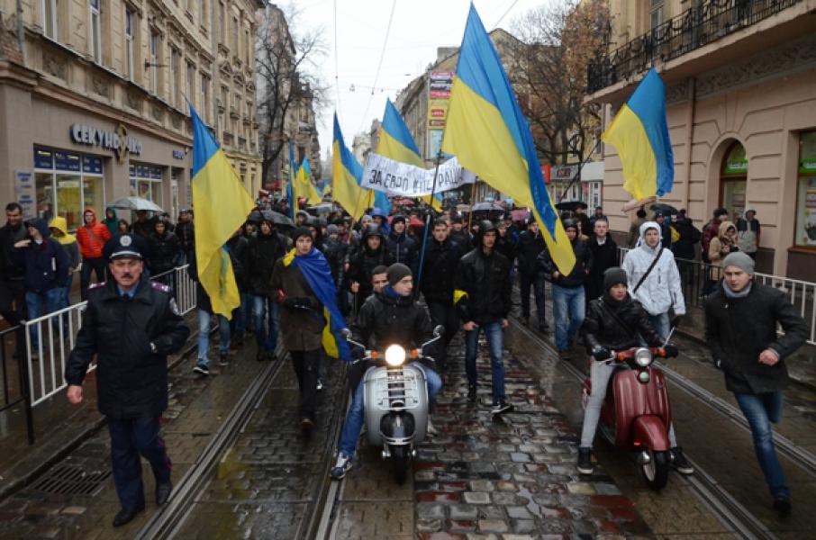 Запад Украины охватили протесты