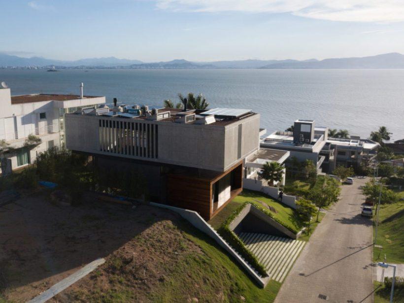 Удивительный современный дом в Бразилии.