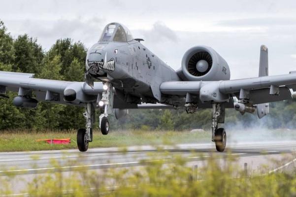 Штурмовики ВВС США впервые приземлились наэстонском Сааремаа