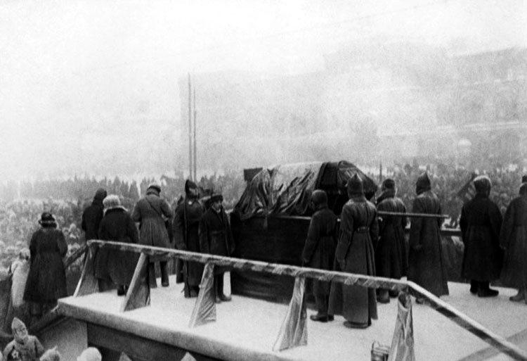 Похороны В.И.Ленина. Похороны первых лиц: как хоронили Ленина, Сталина, Хрущева, Брежнева, Андропова