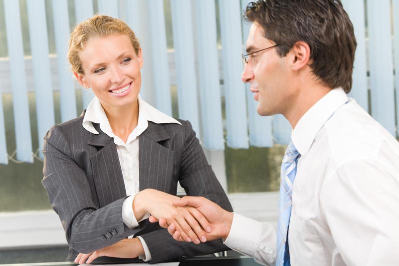 Корпоративная культура идиотов: буду делать женщинам комплименты