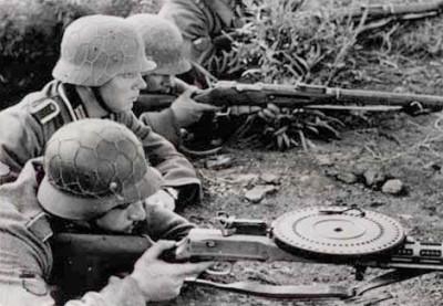 Оружие и валенки: за каким снаряжением красноармейцев немцы охотились больше всего