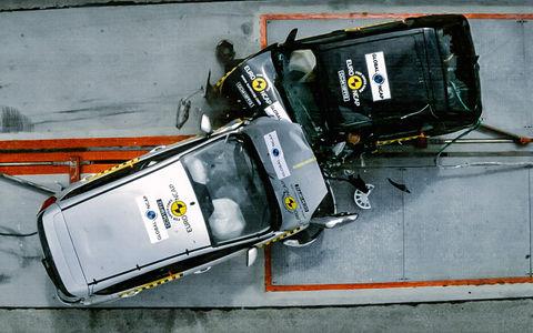 Разница в безопасности между старыми и новыми автомобилями. Самое наглядное видео