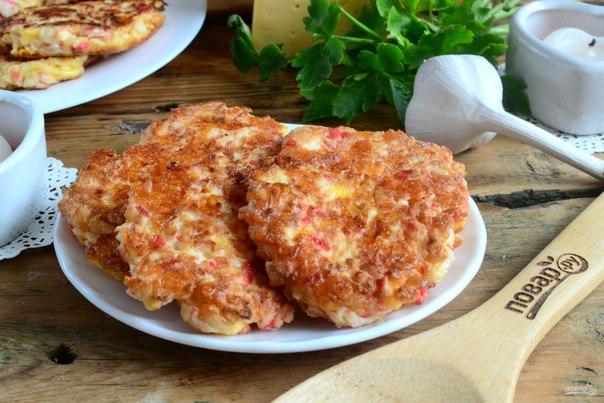 Вкусные котлеты из крабовых палочек с сыром