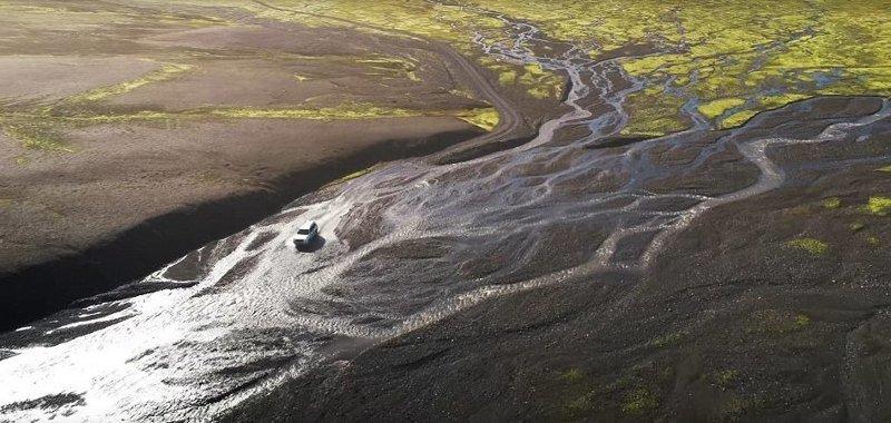 Исландия популярна среди туристов, особенно летом дрон, исландия, кадр, красота, мир, природа, съемка