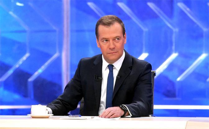 Путин-Медведев: Расклад на в…