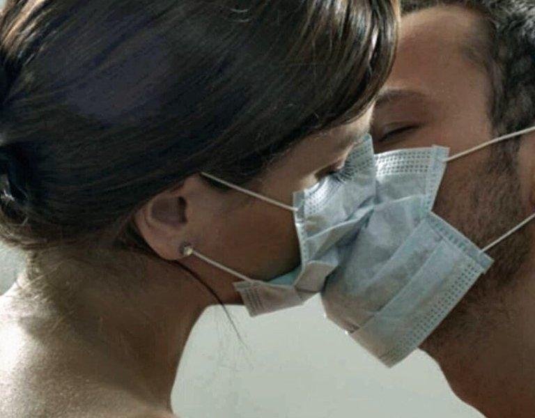Под подозрение в распространении коронавируса попали комары и секс