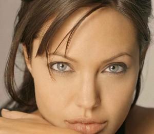 Как ухаживать за кожей глаз