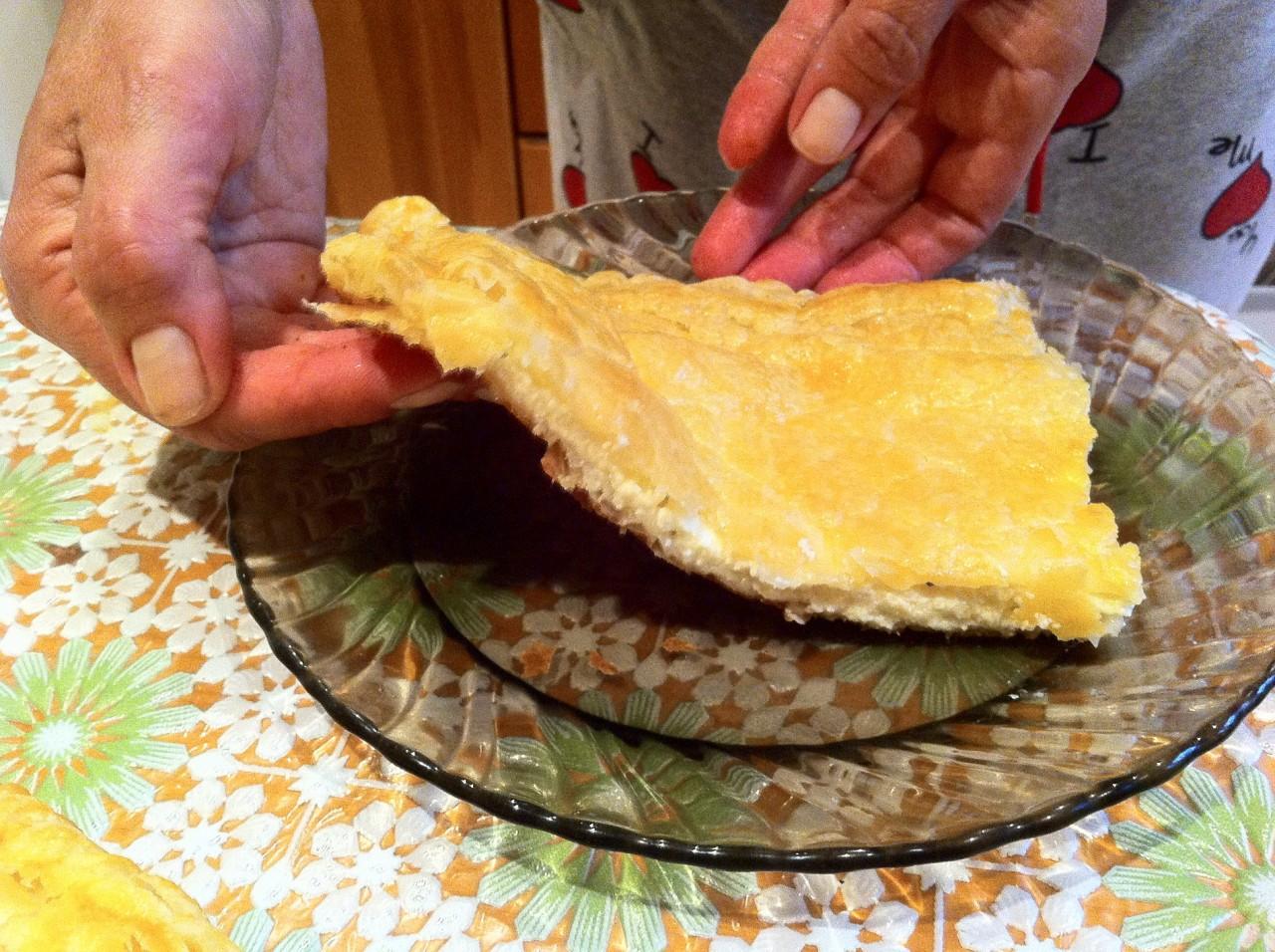 Как сделать хачапури из слоеного бездрожжевого теста