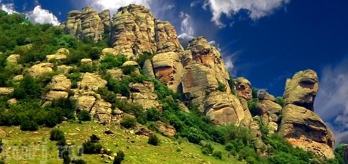 Крым, Алушта: Долина Привидений — статуи, созданные природой