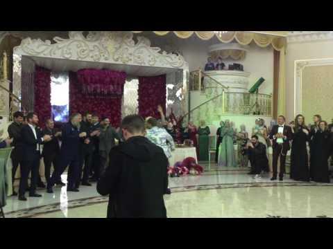 Тимати танцует лезгинку с Яной Рудковской