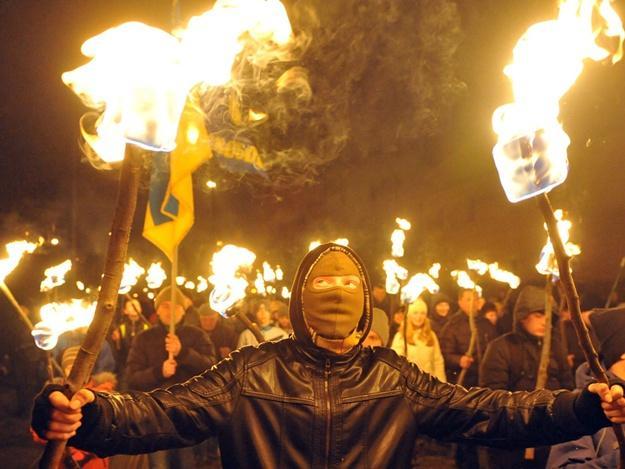 Мерзкий сброд! Просто отвратительно, — реакция австрийцев на факельный марш неонацистов в Киеве