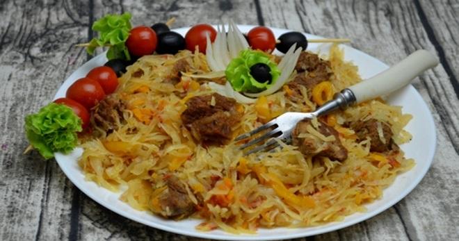 Тушеная капуста с мясом в мультиварке - вкусное, быстрое и бесхлопотное блюдо для всей семьи!