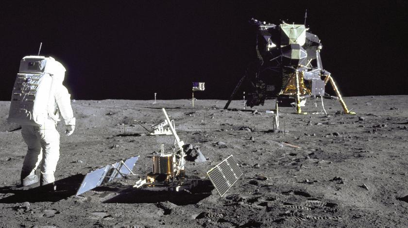 Россия отказалась от полетов на Луну с американцами