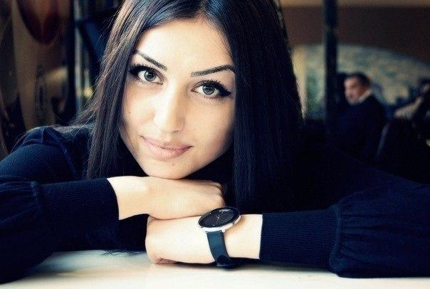 Настоящая девушка, это не та, которая может кинуть и забыть, а та, которая сможет вернуться и простить.