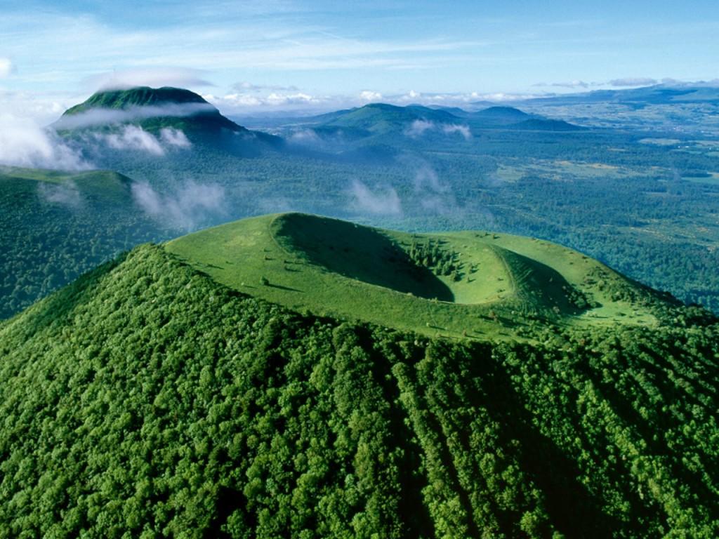Зеленые вулканы Франции