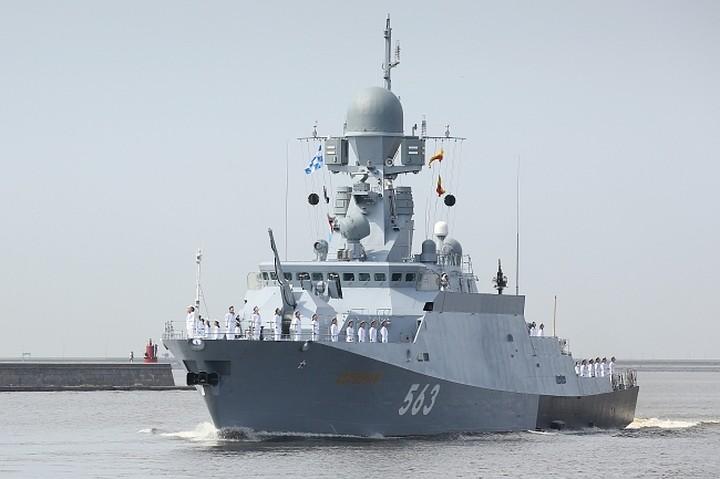 Ракетный корабль Черноморского флота провел учения в Средиземном море