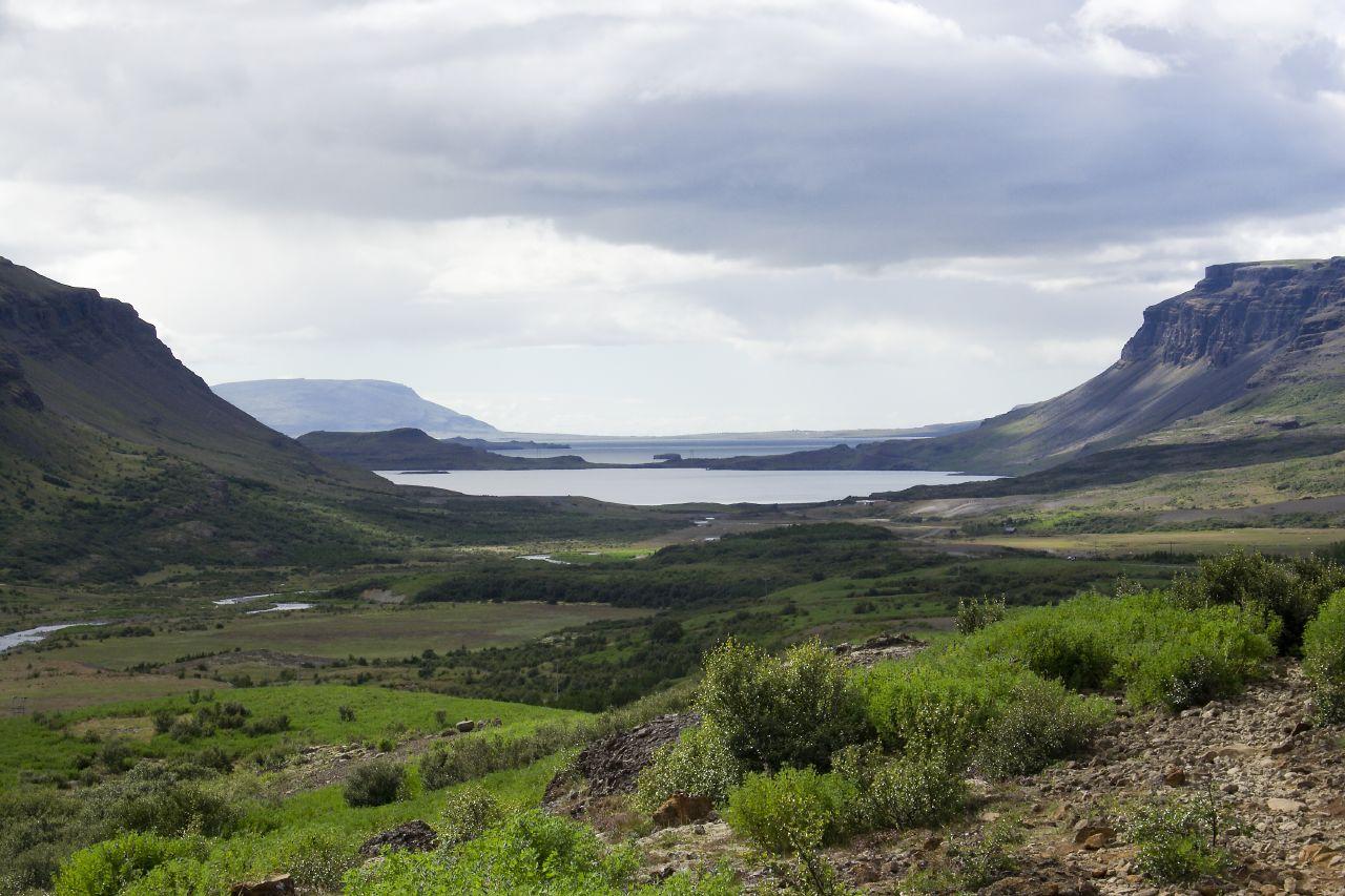 МИР ВОКРУГ. Достопримечательности Исландии. Китовый фьорд