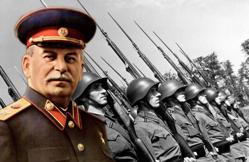 России не дают забыть Сталина