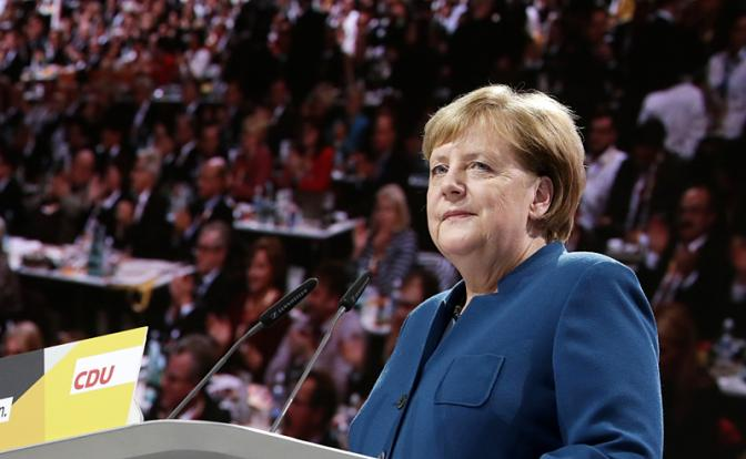 Ангела Меркель: Немецким кораблям пора бросить якоря у берегов Крыма