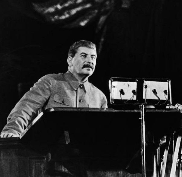 Какую республику СССР Сталин…