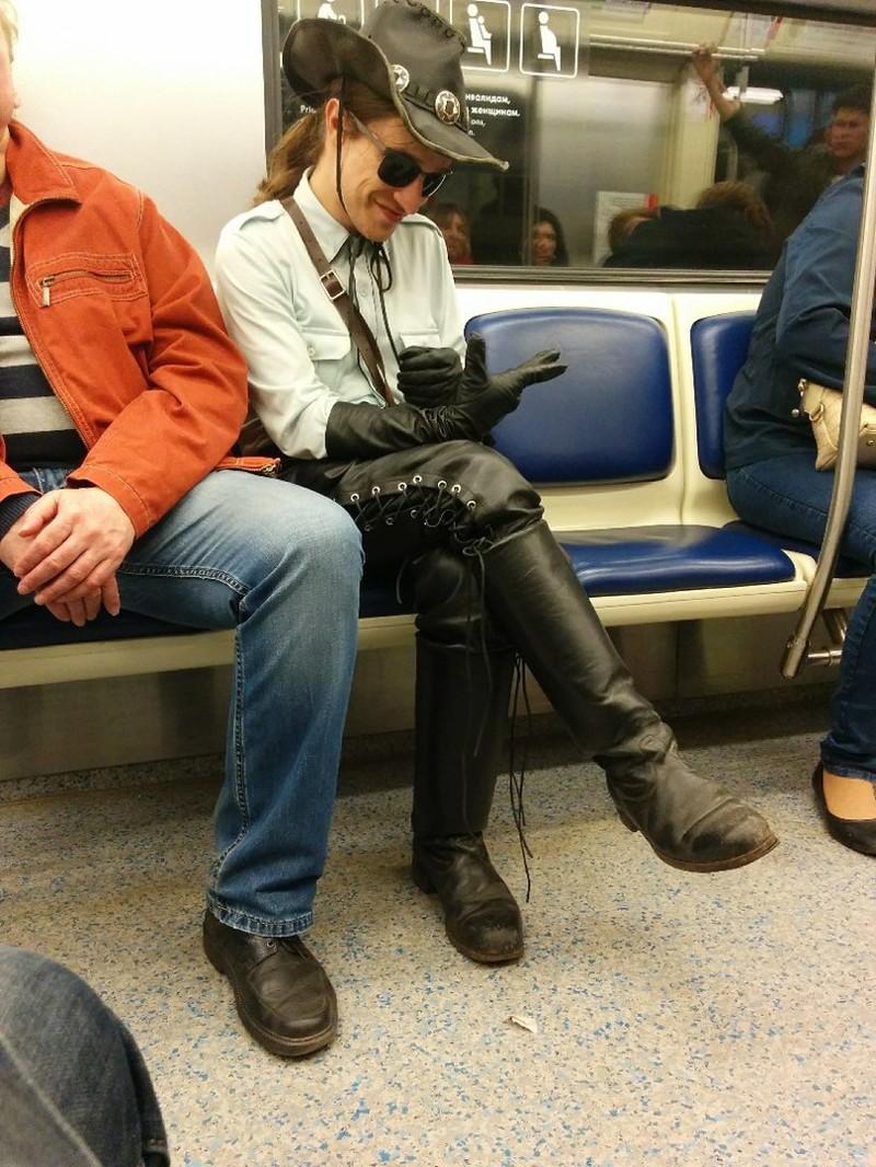 13. Ковбои нынче только на железных конях мдники, метро, смешно, фото