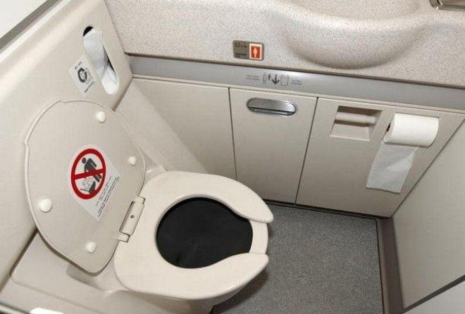 Как устранить неприятный запах в туалете: хитрость, подсмотренная у стюардесс