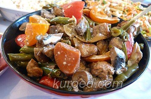 Свинина с грибами и овощами в восточном стиле