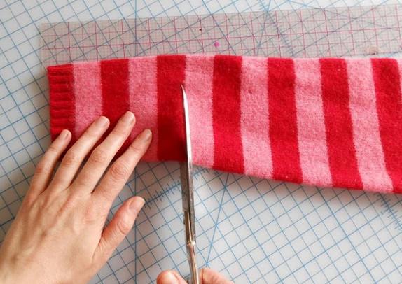 Теперь я знаю, что сделаю из старого свитера… Эта теплая вещица — просто находка