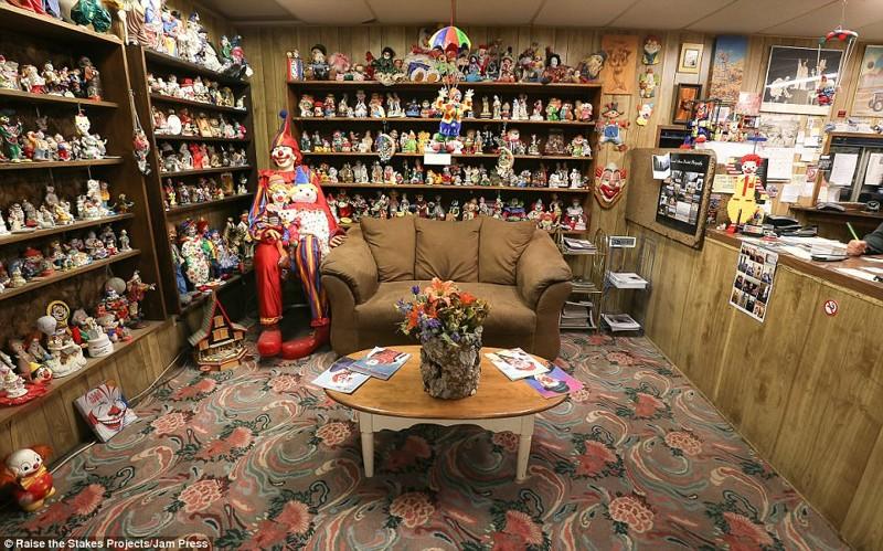 Мотель клоунов в Неваде