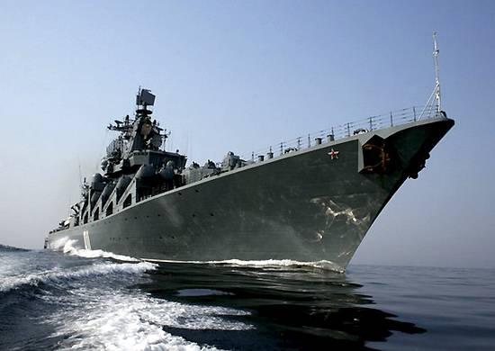 Крейсер «Варяг» прибыл в Камрань
