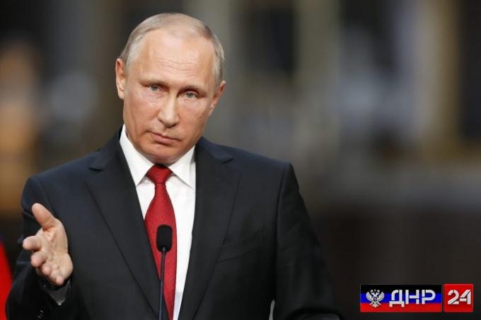 «Россия с вами»: Путин выразил соболезнования в связи с гибелью главы ДНР