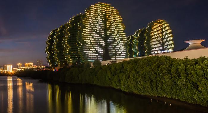 Оригинальные дома-деревья в Китае