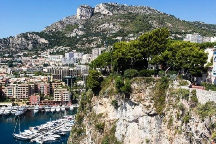 21 фотография о том, как живут обычные люди в Монако